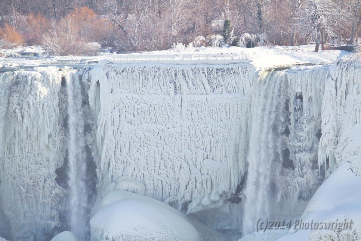 Frozen Niagara? (8)